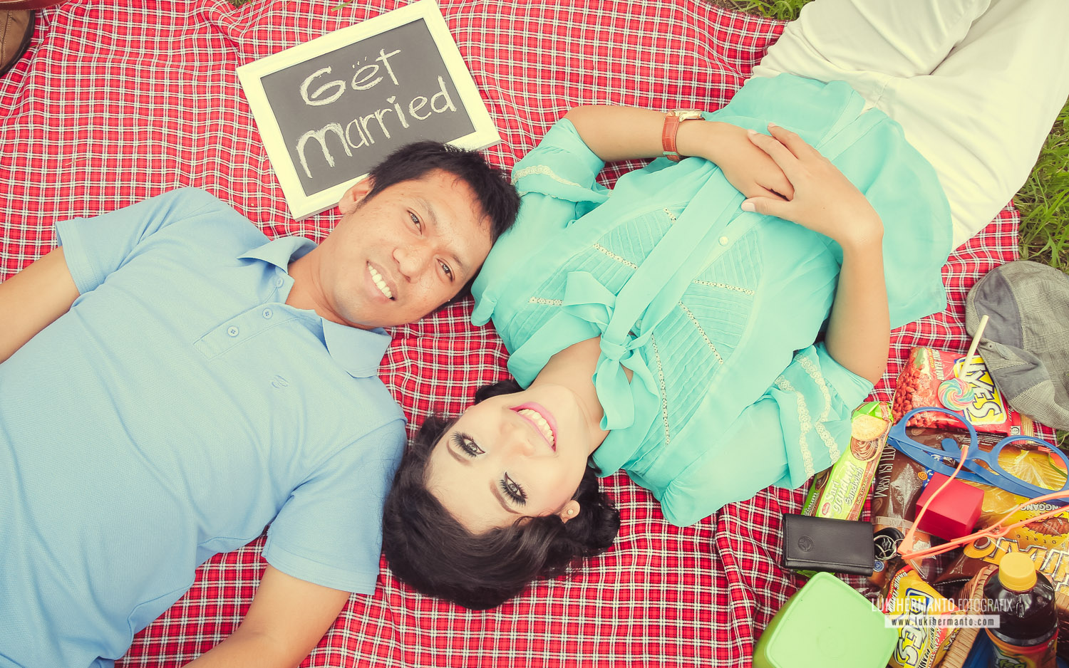 prewedding simple retro