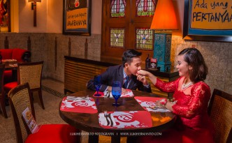 Foto prewedding di cafe house of sampoerna surabaya